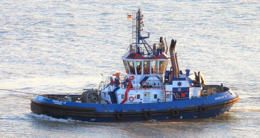 Arbeitspferde im Port of Hamburg: Der Schlepper Fairplay IX gehört dazu!